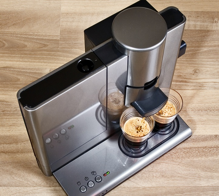How to Choose the Best Stainless Steel Coffee Maker - Pause and Serve
