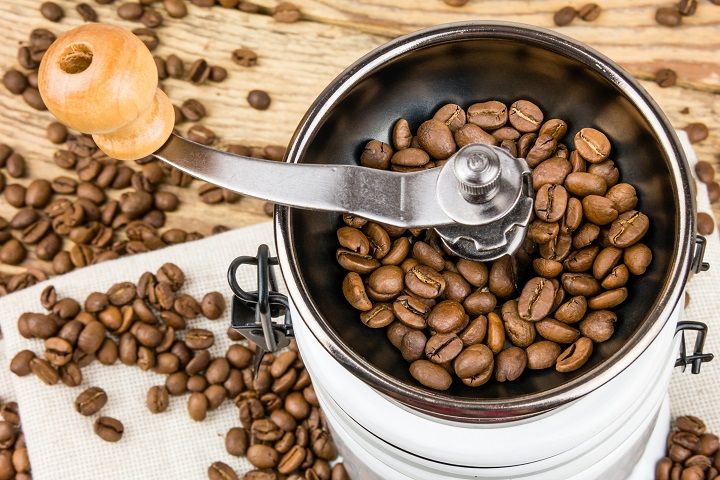 How Do Manual Coffee Grinders Work