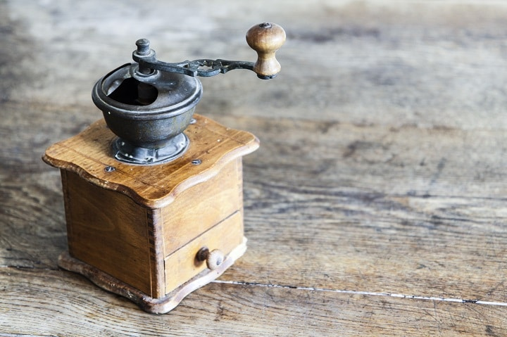How to Choose the Best Manual Coffee Grinder - Quality of Material