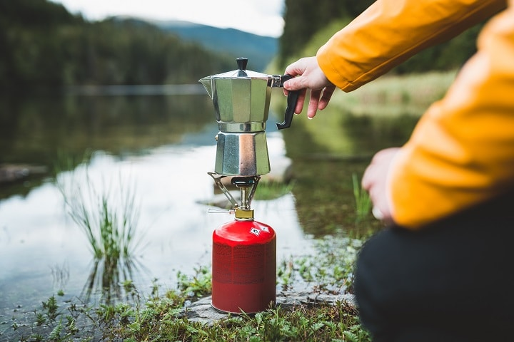 Best Travel Coffee Makers That Are Portable & Car-Friendly