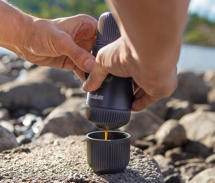 How Does a Portable Coffee Maker Work