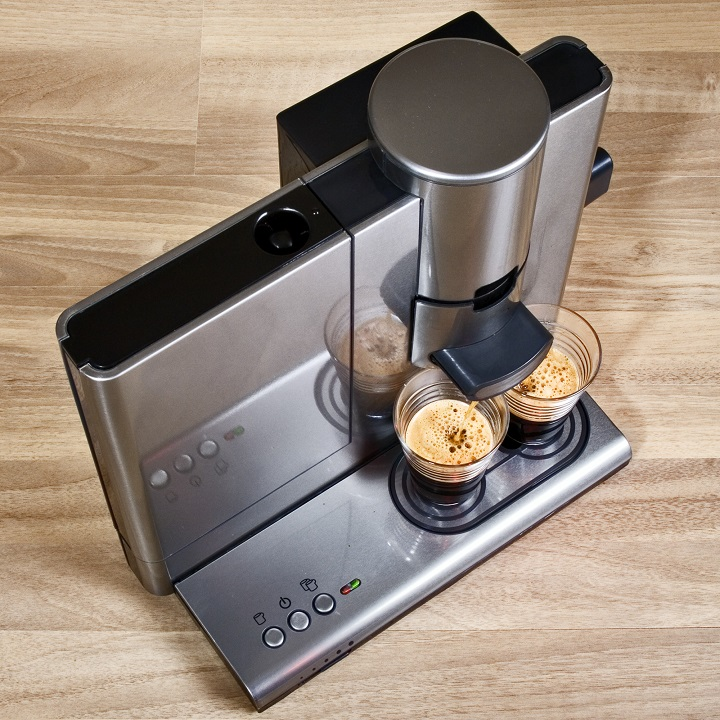 How to Choose the Best Coffee Maker Made in the USA - Material