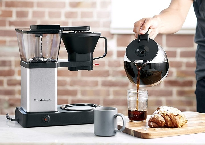 How to Choose the Best SCAA Coffee Maker - Thermal or Glass Carafe