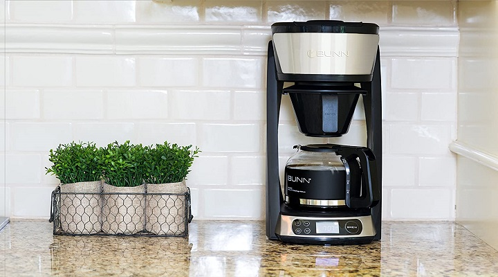 How to Clean Bunn Coffee Maker With Soap and Water
