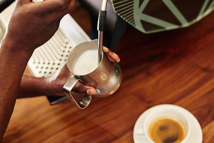 How to Steam Milk Like a Barista Even Without Steam Wand