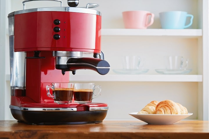 Types of Cappuccino Makers - Traditional or Pod Machine