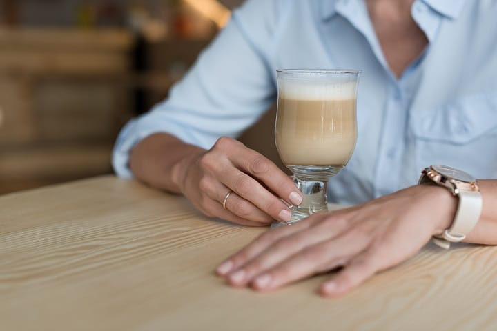 Pros and Cons of Drinking a Latte